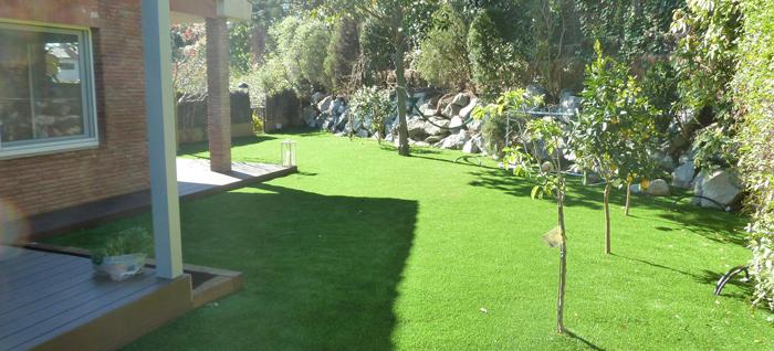 C sped artificial jardiner a xavi dessin jardins - Cesped artificial jardineria ...